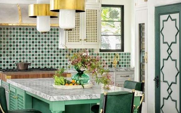 Elegancija zelene boje u kuhinjama s potpisom